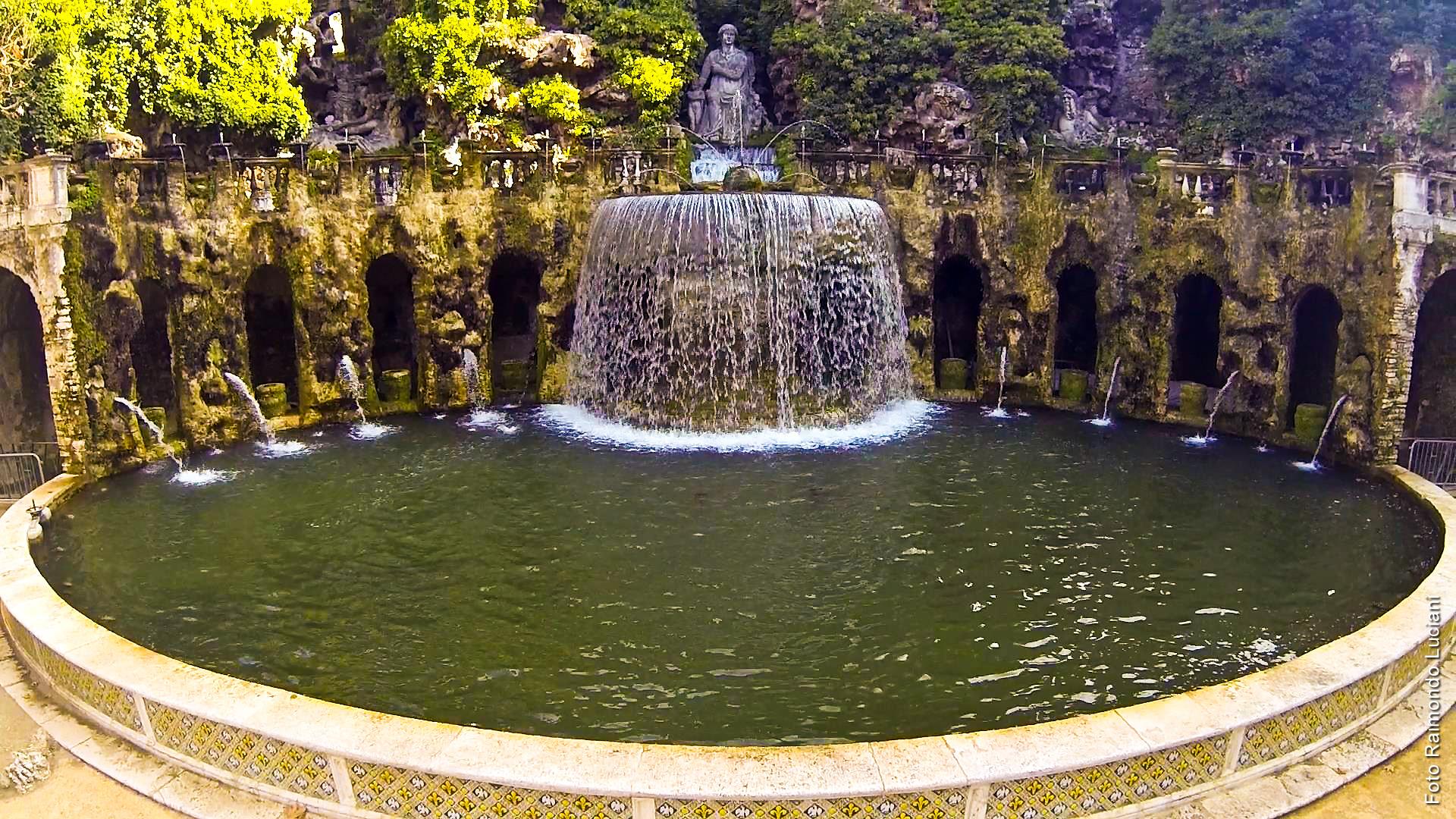 Vialetto giardino e cascate artificiali da giardino - Cascate da giardino ...