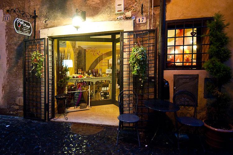 Caf rouge enoteca caffetteria e cocktail bar a tivoli - Taxi bagni di tivoli ...